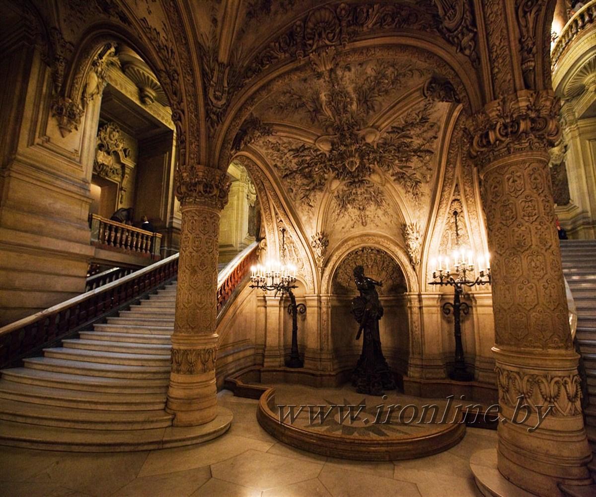 Лестница второго этажа